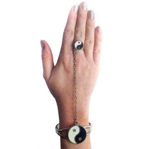 Vintage 1960s Mod Ying and Yang Slave Bracelet